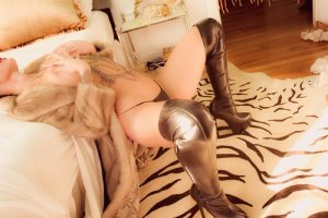 Marie-lucia escort latex à Ville-la-Grand, 74