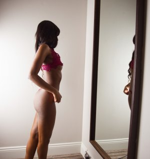 Lucianna escort blonde à Beaugency, 45