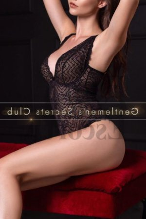 Mandoline escorts girl blonde à Balma